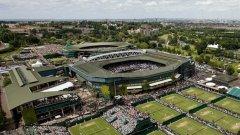 """4. Ол Инглънд клъб, Лондон. Изгледът над кортовете, където всяка година най-добрите в света отчаяно искат да спечелят. """"Уимбълдън"""" остана най-култовия турнир в тениса, а комплексът в Южен Лондон е свещено място със зеленото и лилавото си като основни цветове. Всъщност и до днес тук има частен тенис и крикет клуб, който е отворен за хора без членски карти само по време на турнира. Основан през 1868 г., това е храмът на тениса."""