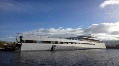 Джобс отделя последните шест години от живота си, за да проектира супер яхтата