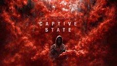 """""""Captive State""""  Реж. Рупърт Уаят (""""Rise of the Planet of the Apes"""") Премиера: 15 март (САЩ, у нас - ще видим)  """"Captive State"""" е интригуващ не толкова с актьорския си състав (най-добро впечатление в каста ни прави Джон Гудман), а с концепцията си. Извънземни окупират планетата под предлог, че го правят в името на мирното съвместно съществуване.   Филмът се фокусира върху живота в един квартал на Чикаго и представители на двете страни на конфликта между хората - тези, които искат да работят с извънземните, и тези, които са против тях.  """"Captive State"""" очевидно има сериозен политически и социален привкус - залегнала е темата за мачкащото индивида правителство, лъжите спрямо обществеността и неизбежното желание за бунт. Същевременно носи онзи плашещ реализъм, ала """"District 9"""", който изглежда така убедително, че за секунда те обзема реално безпокойство, че още утре може да се случи нещо подобно."""