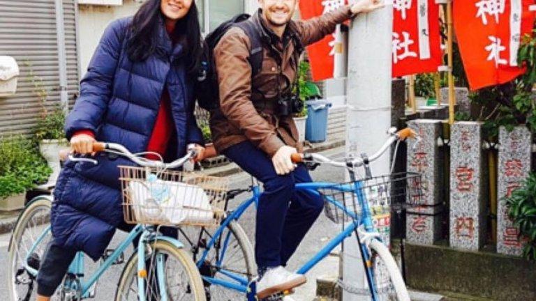 Рада Виас и Лий Томсън правят пътуването сам готино