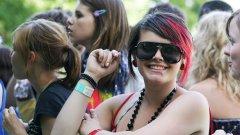 Все по-често момичета в САЩ навлизат в пубертета по-рано