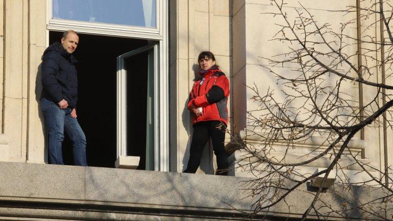 Защо медицинска сестра протестира на прозореца на Партийния дом