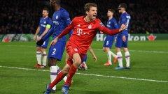 Томас Мюлер не успя да се разпише при победата с 3:0 над Челси, но празнуваше всеки един от головете сякаш беше негов