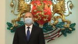 Румен Радев започна консултации с медицински експерти, а Бойко Борисов поиска датата на вота да остане 28 март
