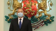 Радев иска отлагане на преговорите за членство на Северна Македония в ЕС