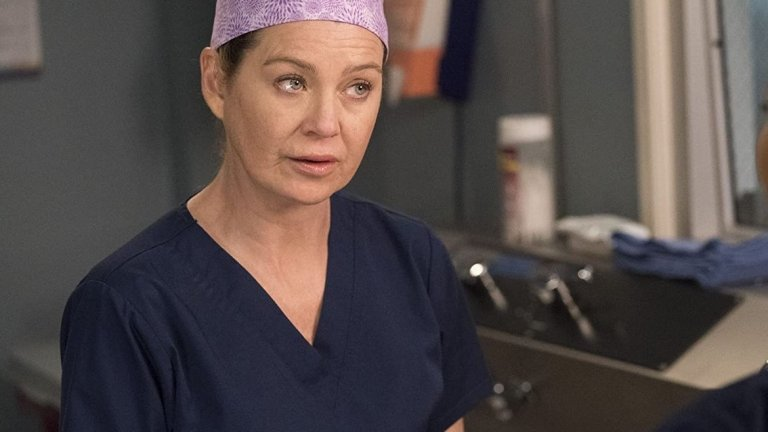 """""""Анатомията на Грей"""" (Grey's Anatomy)  Ха, лекарски сериал беше спрян заради пандемия... Членовете на екипа са получили имейли, че поне две седмици няма да се събират на работа, за да се види как ще се развие ситуацията с болестта. Има информация, че до момента успешно са били заснети 21 от общо 25 епизода за вървящия в момента 16 сезон."""