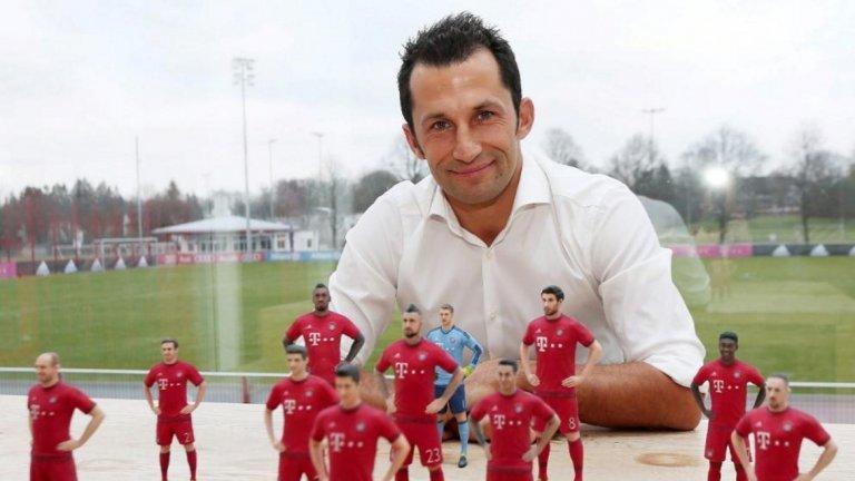 Байерн Мюнхен - Хасан Салихамиджич (спортен директор) Изпълнителният директор на Байерн Карл-Хайнц Румениге очевидно притежава значителна власт, но от чисто футболна гледна точка Салихамиджич е най-важният човек в клуба. Седейки между Румениге и треньора Ханзи Флик, Салихамиджич е отговорен за трансферите и преговорите по договорите, въпреки че работи в сътрудничество с комисия плюс скаутски отдел.