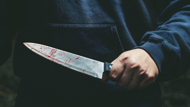 Нападателят - 50 годишен охранител в училището - е бил задържан от полицията