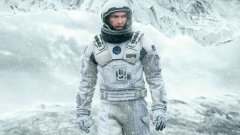 """Interstellar (2014)  Interstellar беше разочарование за доста зрители и е един от най-оспорваните филми напоследък, но продукцията на Кристофър Нолан предложи и множество впечатляващи неща, наред със слабостите. """"Интерстелар"""" е амбициозна и визуално смайваща история за любовта, времепространството и мястото на човешката раса във Вселената. Това е блокбъстър, който на места пропада заради опитите си да бъде едноверменно епичен и интелигентен, грандиозен и интимен, но най-вероятно с времето ще бъде все по-високо оценяван."""