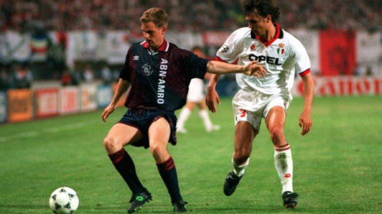"""Роналд де Бур """"Никога не съм бил толкова щастлив. Спечелването на първенството дори не се доближава до това"""", каза Роналд през 1995 г. Де Бур премина в Барселона 12 месеца преди брат си, печелейки титлата в Испания в дебютния си сезон. Игра с брат си в Рейнджърс и в Катар преди да се откаже през 2008 г."""