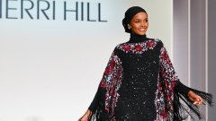Според Халима Аден модата не е място за мюсюлмани и има доказателства за това