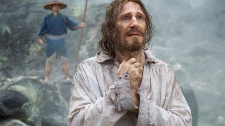 Лиъм Нийсън, в ролята на йезуитския свещеник, за който се носят слухове, че е оставил вярата си.