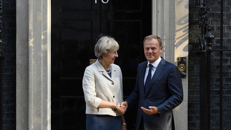 Доналд Туск разкри детайли от разговорите си с Тереза Мей след посещението в Лондон
