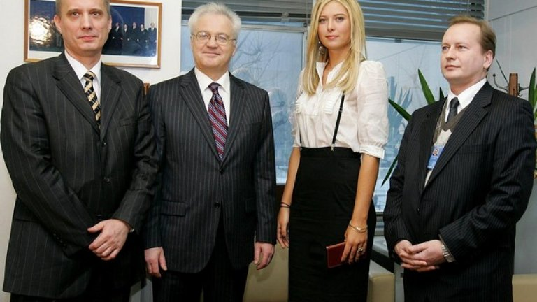 2007 г. по време на церемония, на която е обявена за посланик на добра воля