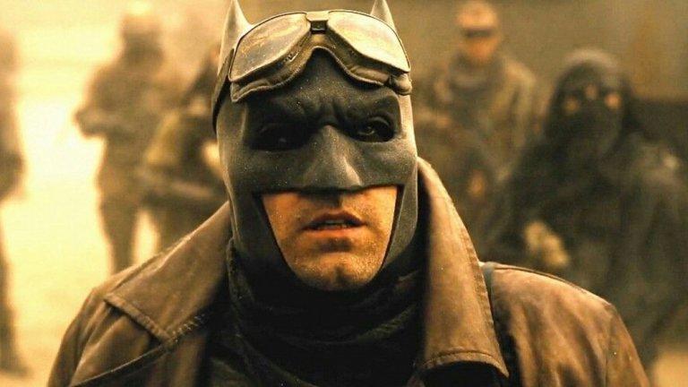 """Разкрива, че се е отказал от ролята на Батман след като е показал сценария за следващия филм на някого, а човекът отсреща му е казал, че тази роля ще накара Афлек """"да се пропие до смърт""""."""