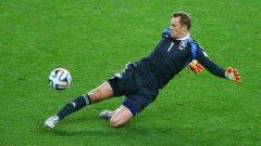 Селекционерът на Германия Йоахим Льов също е на мнение, че Мануел Нойер може да играе и на други позиции освен на вратата
