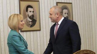 Манолова: Доволни сме, че партия на промяната ще състави кабинет