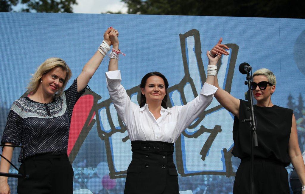 Коя е Светлана Тихановская - жената, която предизвика Лукашенко