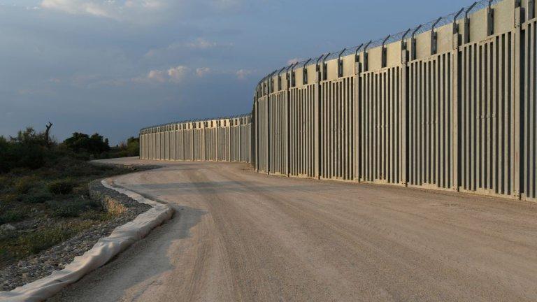 Атина се притеснява от наплив на мигранти