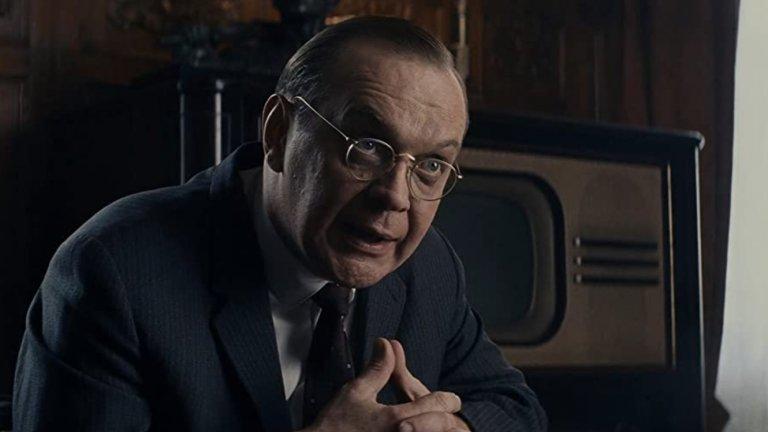 """Майкъл Гор - Русия  Познат още и като Михаил Горевой, той е от онези актьори, чиито лица са ни познати от много филми, но никога не се сещаме как се казват. В случая с лицето на Гор се свързват предимно персонажите на неприятни типове. Участва в """"Не умирай днес"""" като лабилен учен, а през последните няколко години ни е познат от """"Мостът на шпионите"""", """"Бодигард на убиеца"""" и """"Убиец на ловци""""."""