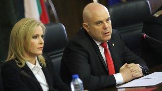 Шпионски скандал: Български военни изнасят секретна информация към Русия