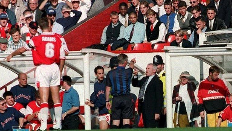 """16. Питър Рийд, Съндърланд. Въпреки победите над Челси, Юнайтед и Арсенал """"черните котки изпаднаха"""". В следващия сезон Рийд игра плейоф, но го изгуби и не се върна в елита. Направи го обаче през 1999-а. До 2002-ра остана в клуба, а за последно бе асистент в Болтън. От септември 1996-а Съндърланд смени 13 мениджъри."""