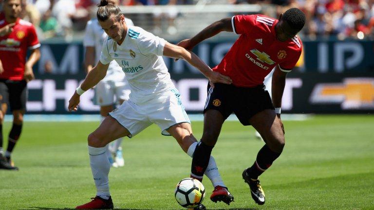1. Тимъти Фосу-Менса и Андреас Перейра заслужават шанс  Като изключим пробива на Марсиал, най-впечатляващото нещо в играта на Юнайтед бе представянето на Тимъти Фосу-Менса. Само на 19, холандският десен бек е бърз, здрав физически и спокоен, когато е с топка в краката – общо взето, достойна конкуренция на Антонио Валенсия. Ако двубоят срещу Реал е било прослушването му дали е достатъчно добър за Юнайтед, то Фосу-Менса се справи блестящо.  Другата добра новина за Моуриньо бе играта на Андреас Перейра. Качествата на бразилеца са добре познати на феновете на Юнайтед, въпреки че е само на 21 и през миналия сезон бе отдаден под наем в Гранада. Перейра бе сред основните играчи на Гранада, но не успя да помогне на тима да запази мястото си в Примера дивисион. Сега младият полузащитник може да получи втори шанс в Юнайтед.