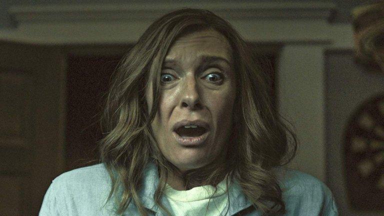 """""""Наследствено"""" (Hereditary, 2018 г.)  Тъгата на Ани Греъм (Тони Колет) след смъртта на майка ѝ води до гняв, който обаче ѝ пречи да забележи, че нещо никак, ама никак не е наред със семейството ѝ и най-вече със собствените ѝ деца. Поне до момента, в който вече е твърде късно, а Ани осъзнава, че е замесено и нещо свръхестествено. Вместо с кръв и вътрешности, """"Наследствено"""" плаши с атмосфера - чувство за ужас и драма, начело на което стои впечатляващото изпълнение на Колет в главната роля."""