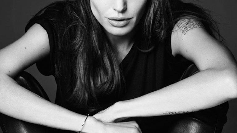 На премиерата на последния си филм в Лондон, Анджелина Джоли призова и да бъдат върнати отвлечените в Нигерия над двеста ученички