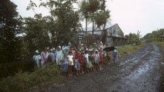 Близо 2000 деца са принудени да напуснат тропическия остров Реюнион между 1963 и 1982 г. Те са част от френската правителствена програма за възраждане на обезлюдените селски региони на Франция след Втората световна война.
