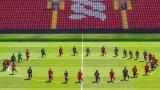 """29 играчи на Ливърпул, в отсъствието на Юрген Клоп и останалите членове на треньорския щаб, се събраха около централния кръг за снимка, направена от """"Мейн Стенд"""" в подкрепа на убития от полицаи в САЩ Джордж Флойд"""