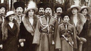 Какво се случва с най-известните руски дворци след края на Романови