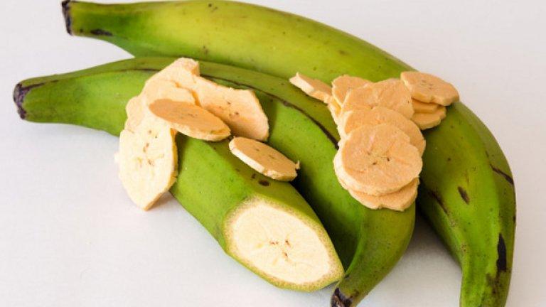 3. Зелени банани Зелените банани съдържат повече полезни вещества от узрелите, по-малко захар и по-малко скорбяла. Освен това, създава усещане за ситост. С една лъжица фъстъчено масло, това е храна за шампиони.
