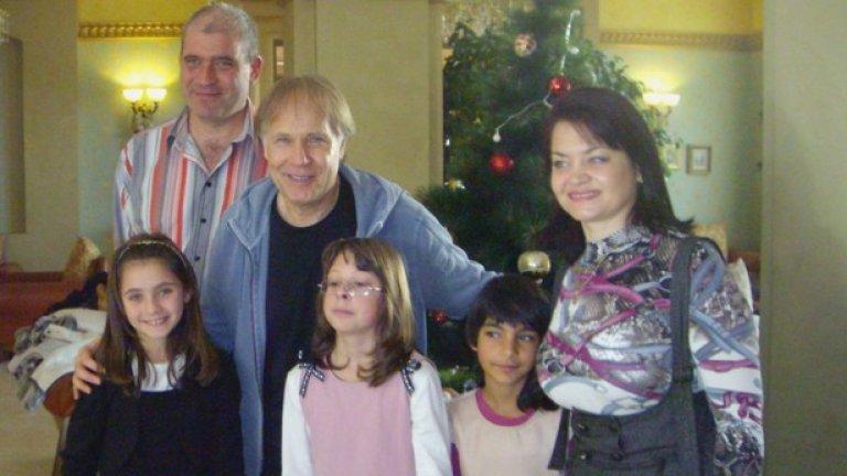 След концерта си Клайдерман се срещна с голямото семейство Недялкови