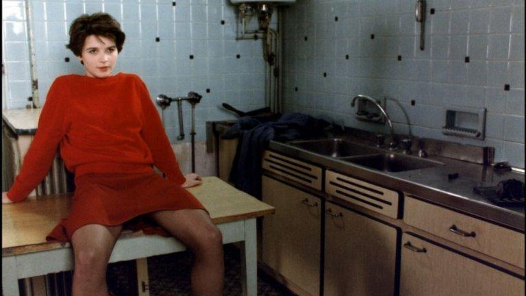 """""""Среща"""" В този кадър от филма на Андре Тишине """"Среща"""" (Rendez-vous) Жулиет е на 23 години. Филмът е еротична драма, в която героинята на Бинош, младата Нина, напуска родната Тулуза и отива в Париж, за да стане актриса. Впоследствие се забърква в странни сексуални взаимоотношения, водена от амбицията си да превземе екрана."""