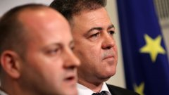 Прокурорските обвинения няма да спасят армията