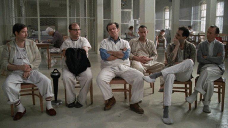 """Само три филма са печелили всички награди в """"Голямата петорка"""" на Академията - за най-добър филм, най-добър режисьор, най-добър актьор и актриса и най-добър сценарий. Това са """"Случи се една нощ"""" (1934), """"Полет над кукувиче гнездо"""" (1975) и """"Мълчанието на агнетата"""" (1991)."""