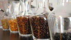 Пет-шест чаши безкофеиново кафе на ден биха се доближили до процентното съдържанието на кофеин в обикновеното кофеиново кафе