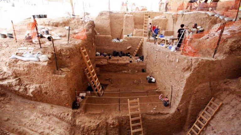 Разкопките в Нешер Рамла