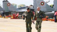 Трудно да се повярва, че българските авиатори не искат да разполагат с нова и модерна техника, която ще им даде по-добри възможности да изпълняват своя дълг.