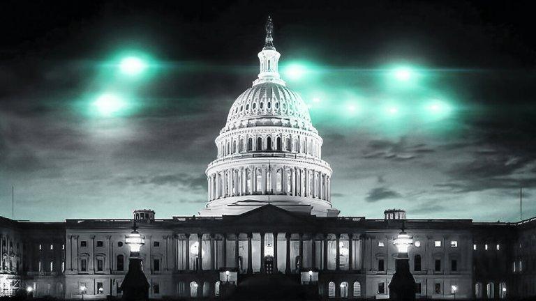 """Top Secret UFO Projects Declassified (Netflix) - 3 август Една поредица за всички онези, които вярват, че истината е... някъде там. Сериалът изследва идеята, че извънземните наистина съществуват сред нас и това се знае от американското правителство, което обаче покрива цялата история от години. Трейлърът на това шоу изобилства от снимкови и видео """"доказателства"""", а това обещава да е истинско забавление за всеки фен на извънземните или на откачените теории за тях."""