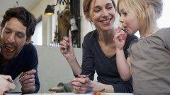 Паниката за всичко не ви прави добри родители