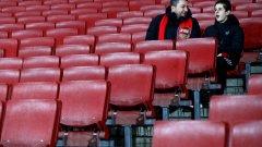 Проблемите на Арсенал са големи като Хималаите. И нито Венгер, нито Емери, са Еверест-ът в тях