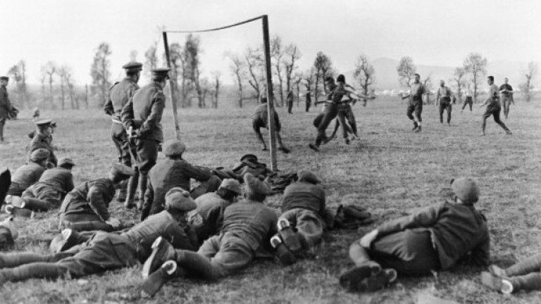Отново Салоника, офицери срещу войници от 26-а дивизия, Коледата на 1915 г.