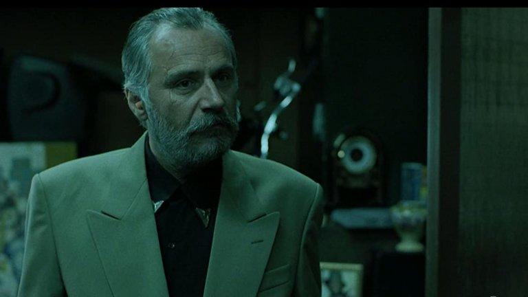 """Раде Шербеджия - Сърбия  Шербеджия е един от особено продуктивните европейски актьори, като е носител на няколко престижни награди, включително и тази на филмовия фестивал във Венеция. Кариерата му го отвежда и в Холивуд, където участва в много филми, най-вече приемайки образа на някой корав и безкомпромисен тип. Най-култова е ролята му в """"Гепи"""", където играе бившия агент на КГБ Борис """"Острието""""."""