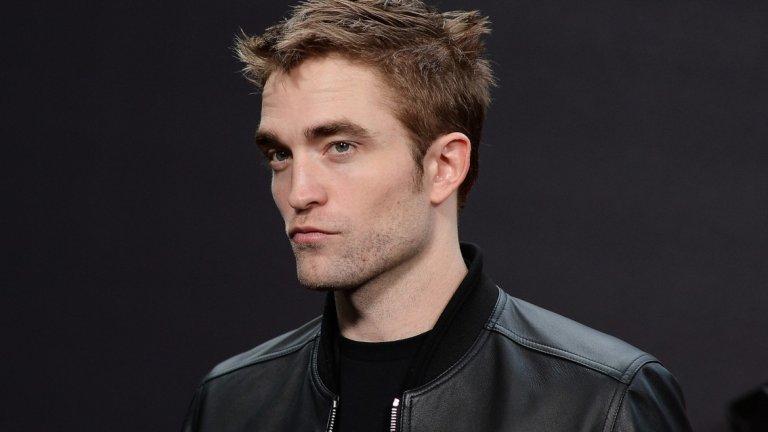 Патинсън е бил на снимачната площадка на новия трилър на Кристофър Нолан - Tenet, когато е получил потвърждение, че е избран за ролята на Батман. В Tenet ще го гледаме през юли 2020 г., а в The Batman - през 2021 г.