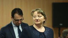 Бизнесът обаче се трансформира и разкрива нови работни места, обяснява социалният министър Деница Сачева