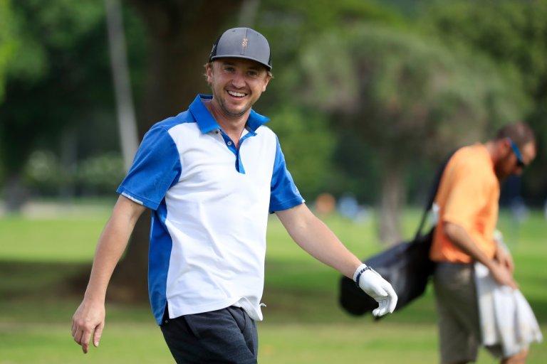 Фелтън намира време и за голф (януари 2020 г.)