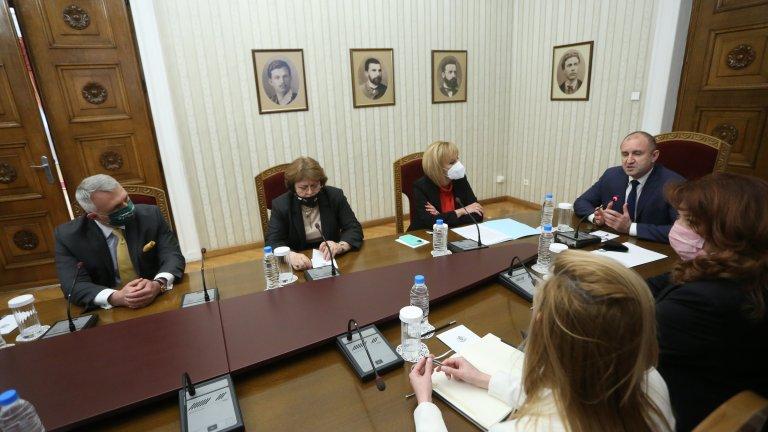 Мая Манолова: Бихме подкрепили кабинет на ИТН и ДБ