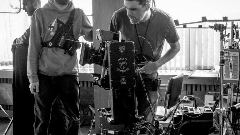 """Крум Родригес е човекът зад камерата на част от добрите български филми от последните години - """"Воевода"""", """"Слава"""", """"Безбог"""", """"Виктория"""", """"Цветът на хамелеона"""", """"Подслон"""" и др."""
